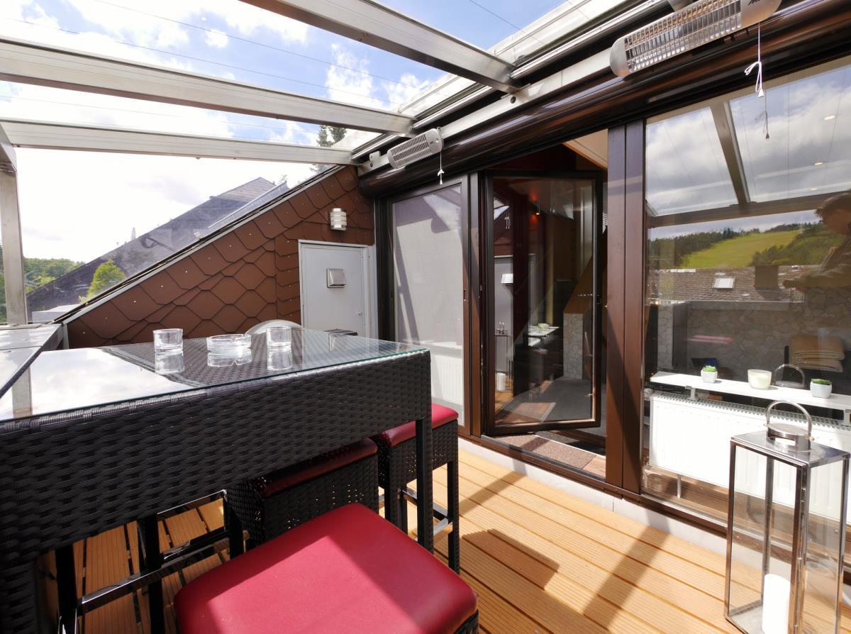 Inspirierend Sonnenschutz Dachterrasse Sammlung Von Soundbar Mit E-grill, Heizstrahler, Wetterüberdachung Und