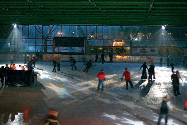 Eis-Disco in der Eissporthalle Willingen