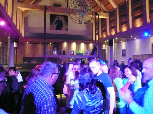 Don-Camillo Dorfkirche als Partykneipe in Willingen